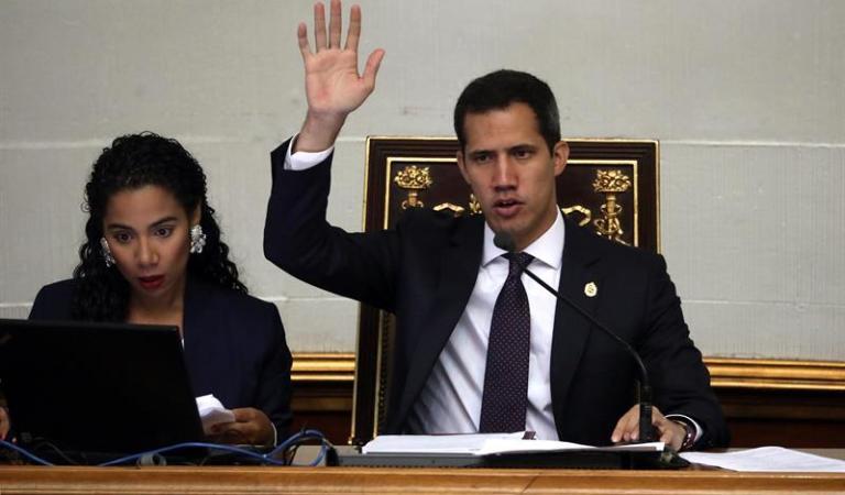 La AN de Venezuela acordó reincorporar a militares que desconozcan a Maduro