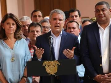 El presidente de Colombia Iván Duque (c) habla acompañado por su equipo de gobierno este domingo en la reunión del plan de impacto para mitigar los efectos generados por la crisis migratoria y cierre de la frontera colombo-venezolana, en Cúcuta (Colombia)/ FOTO: STR EFE