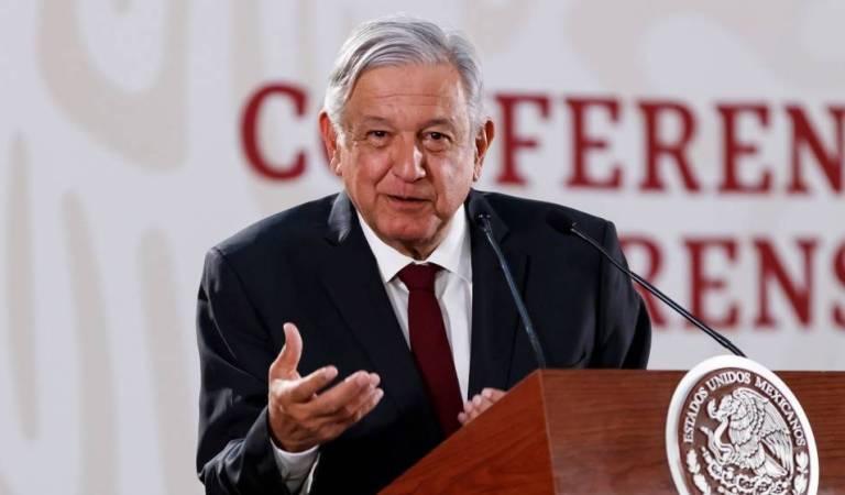 Mexicanos interceptan a López Obrador en Oaxaca para expresar sus necesidades