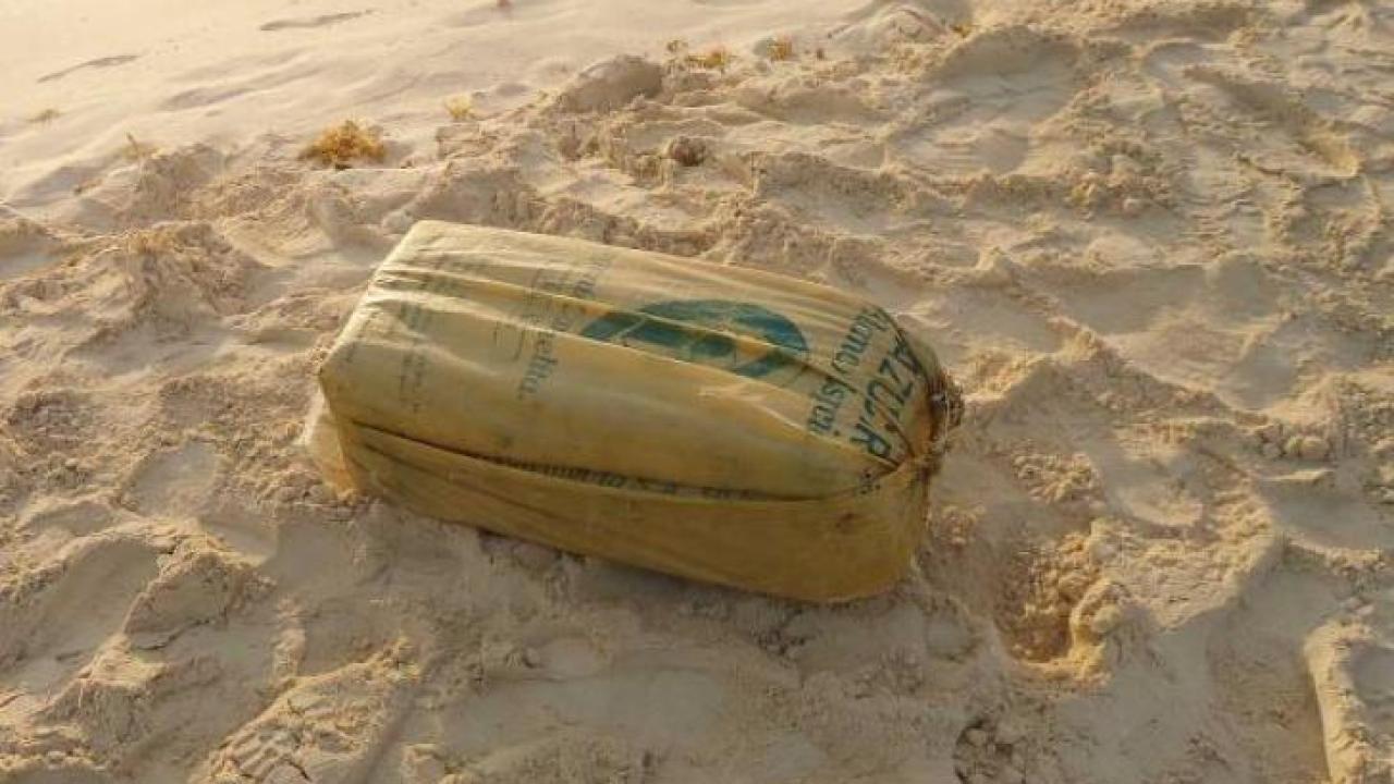 Recala paquete con 25 kilos de cocaína en Playa del Carmen, por el ...