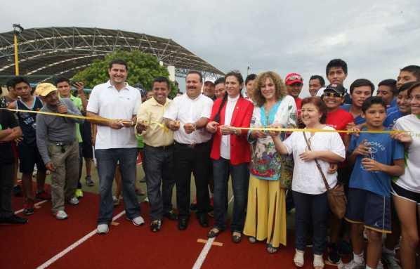 25tartanCortan liston en la inauguracion de la pista de tartan Ana Guevara