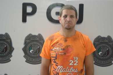24cubanoCubano detenido
