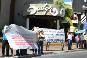 21puntaMaestros se manifestaron en Zona Hotelera (33)
