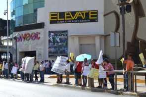 21puntaMaestros se manifestaron en Zona Hotelera (36)