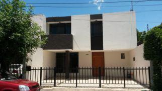 97397da0-11ce-11e4-8ede-6bcea59ef046_20140721_143613-1-Uno-de-sus-casas-en-una-colonia-residencia-de-Zamora-e1406025194291
