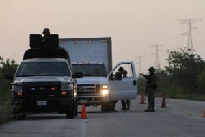 Operativo en carretera del sur de Quintana Roo.
