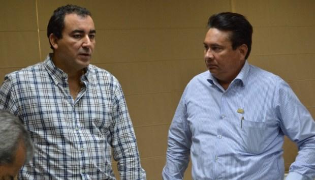 Alonso Ovando, secretario de Educación, y Rafael González, líder del SNTE.