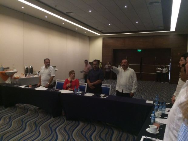 Javier Zetina González, primo del ex gobernador Félix González Canto, rinde protesta como titular de la Auditoría Superior de Quintana Roo.