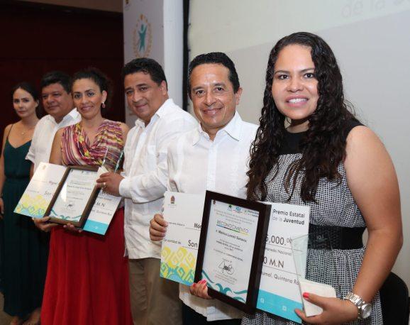 Carlos-Joaquin-premio-juventud8