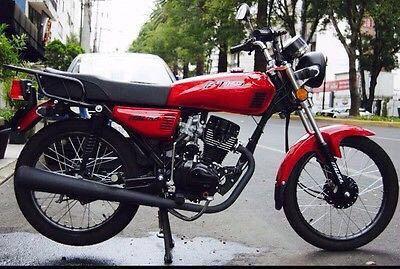 Le roban su motocicleta al Inspector Nocturno en Cancún