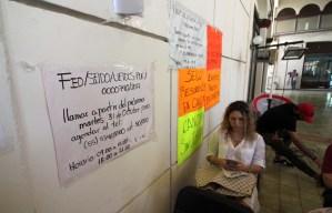Cancún.- La entrega de las primeras cajas con valores y una serie de situaciones que se registraron antes, durante y después de las primeras entrevistas entre los usuarios del First National Security y los Agentes del Ministerio Público Federal, se reflejaron hoy con la implementación de mayores medidas de seguridad.