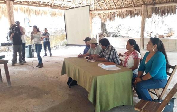 Visita Marichuy la Zona Maya