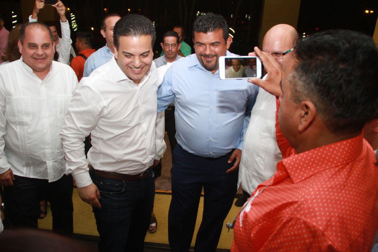 Ricardo Anaya arranca su campaña con un hackaton