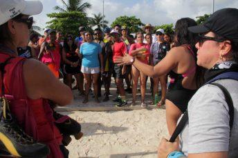 Deportistas se unen para defender Playa Langosta