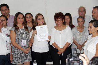 Entregan constancia de presidente electa a Mara Lezama