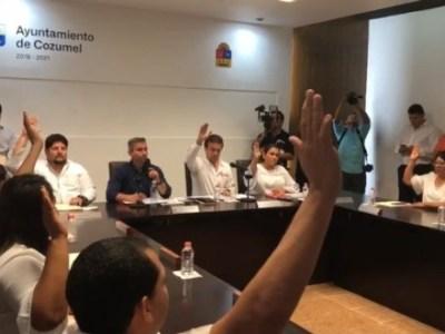 Tras intenso debate, aprueba Cabildo de Cozumel, con 8 votos a favor y 3 en contra, el refinanciamiento de su deuda por 422 mdp