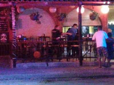 Ejecutan a un hombre en taquería de la colonia La Guadalupana de Playa del Carmen