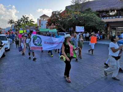 Protestan en Puerto Morelos por construcción de 'The Fives'