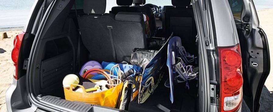 2019-dodge-grand-caravan-interior-versatility.jpg.image.1440