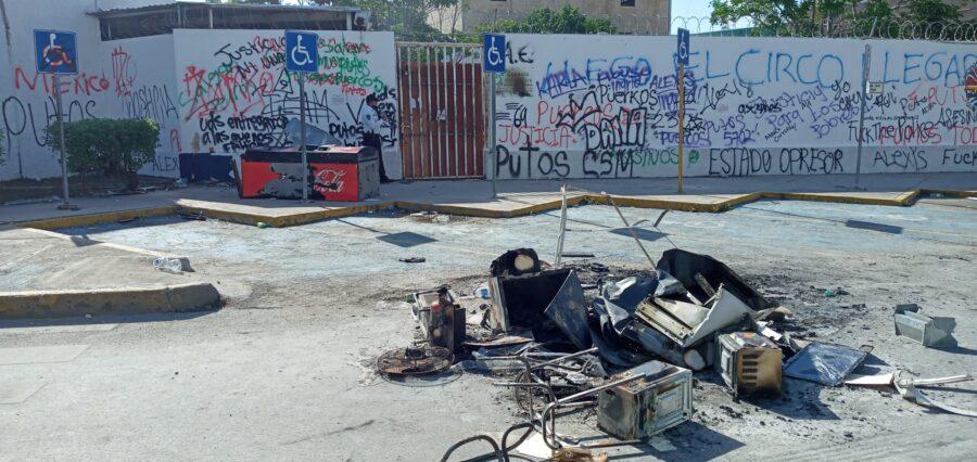 Todavía no se cuantifican los daños en oficinas de gobierno durante marchas en Cancún