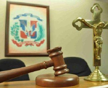 Condenan acusado de matar a 3 personas en Moca