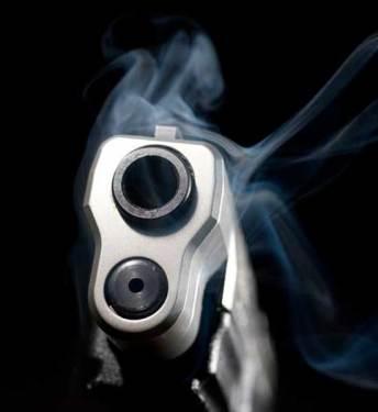SFM: Matan a tiros a dos hombres