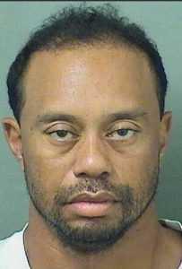 Tiger Woods arrestado por conducir bajo efecto de sustancias