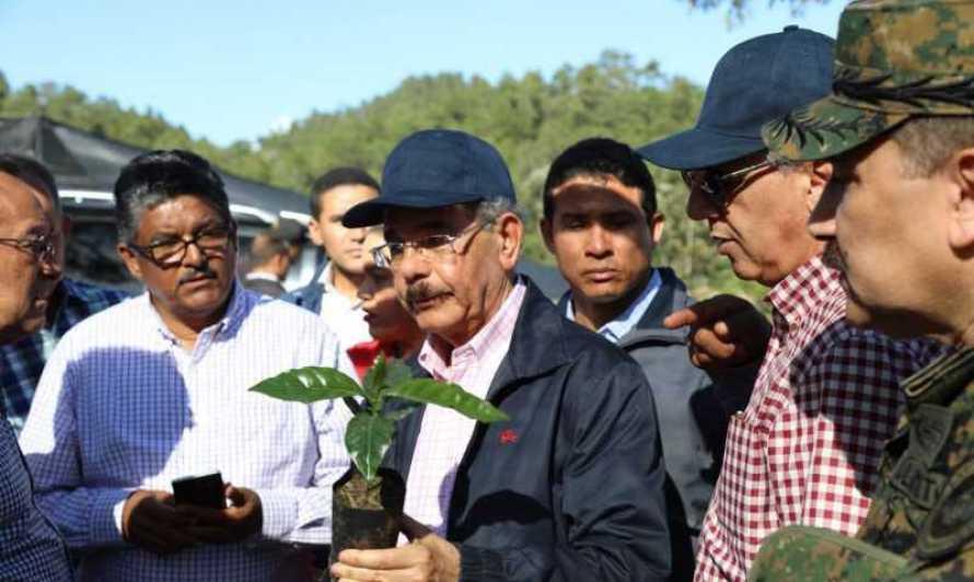 Resultado de imagen para Medina supervisa proyectos forestales