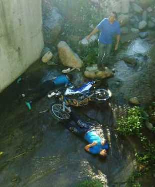 Jarabacoa: Dos muertos accidente motocicleta en Manabao