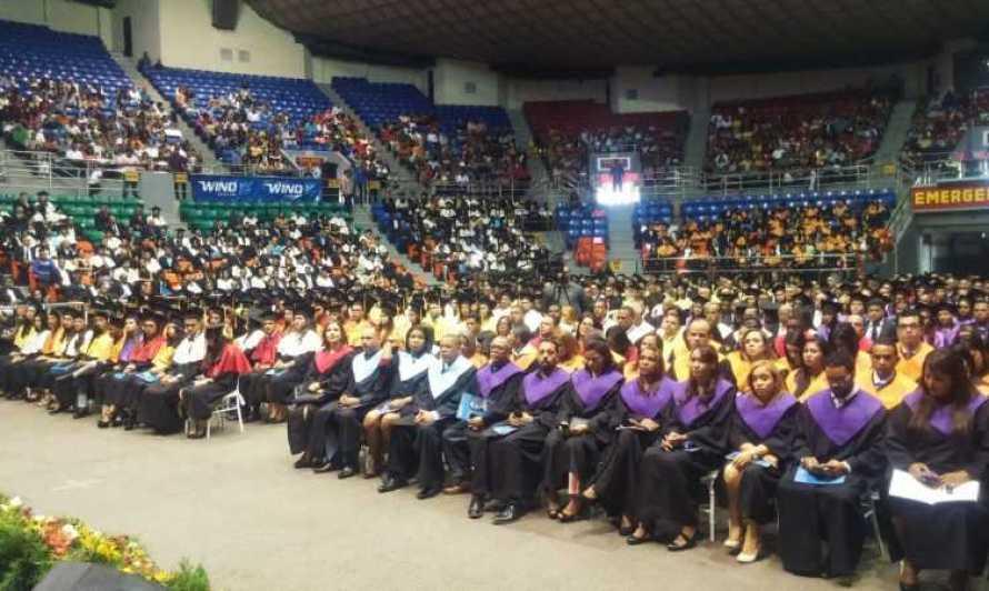 UASD celebra graduación en su recinto Santiago