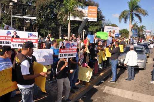 Choferes paralizan rutas urbanas en Santiago