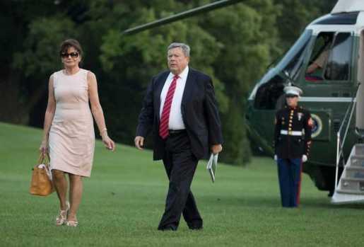 Confirman padres de Melania Trump viven legalmente en EEUU