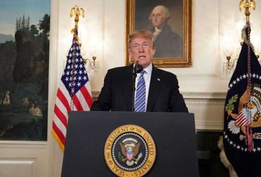 Trump dice EEUU está de duelo por tiroteo Florida