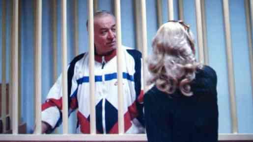 Ex espía ruso grave tras ser envenenado en el Reino Unido