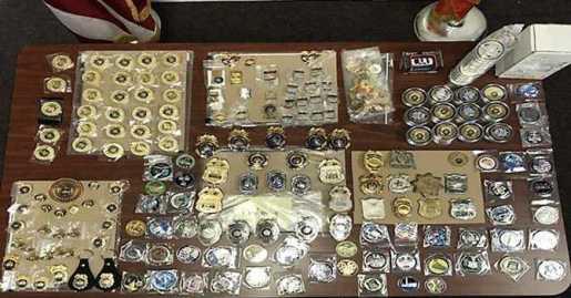 Arrestan hispana NY por vender artículos policiales robados