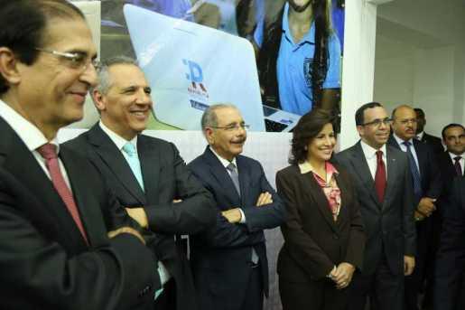Danilo Medina entrega sede República Digital Educación