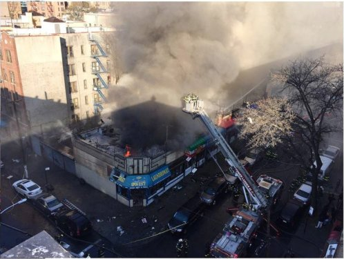 Fuego en El Bronx destruye negocios dominicanos