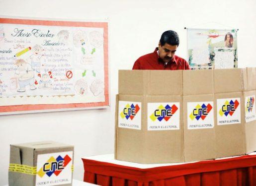 Venezolanos votan en medio de una profunda crisis