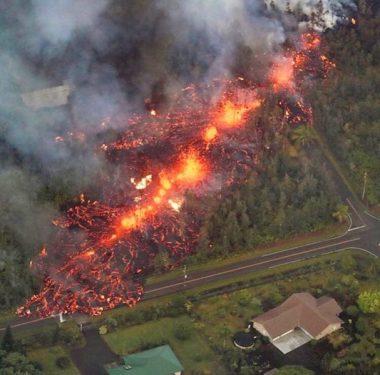 Volcán Kilauea en Hawái destruye decenas de casas