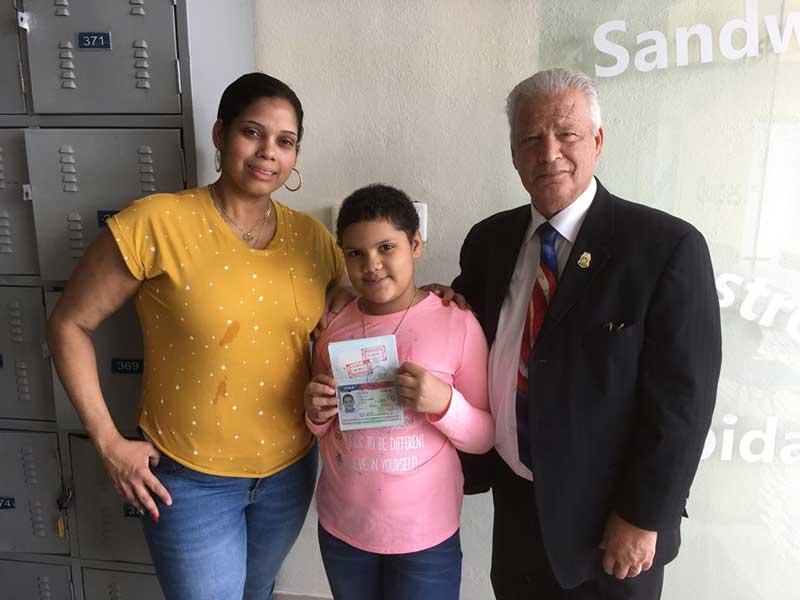 Consulado EEUU renovó visado a niña dominicana padece cáncer