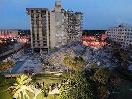Un hende muhe a demanda e edificio na Miami na 2015