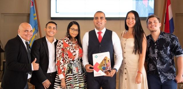 Gerick A. Croes se graduó en la Facultad de Derecho de la Universidad de Aruba