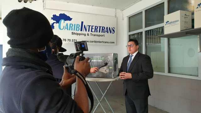 Este jueves llegan a Aruba los congeladores para la segunda fase de la vacunación