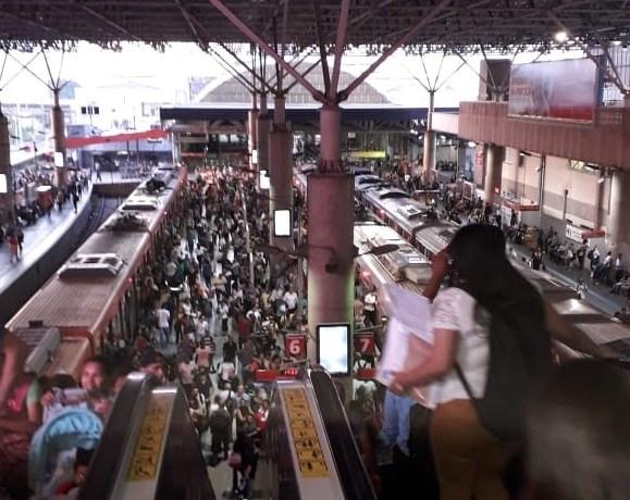 estação brás plataforma Linha 12-Safira