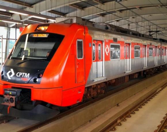 série 7000 na Linha 13-Jade