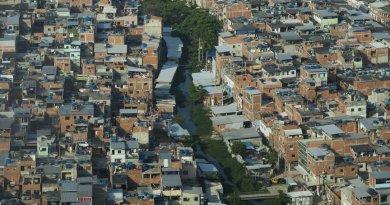 Moradores de comunidades do Rio temem mais milícias do que tráfico, aponta pesquisa