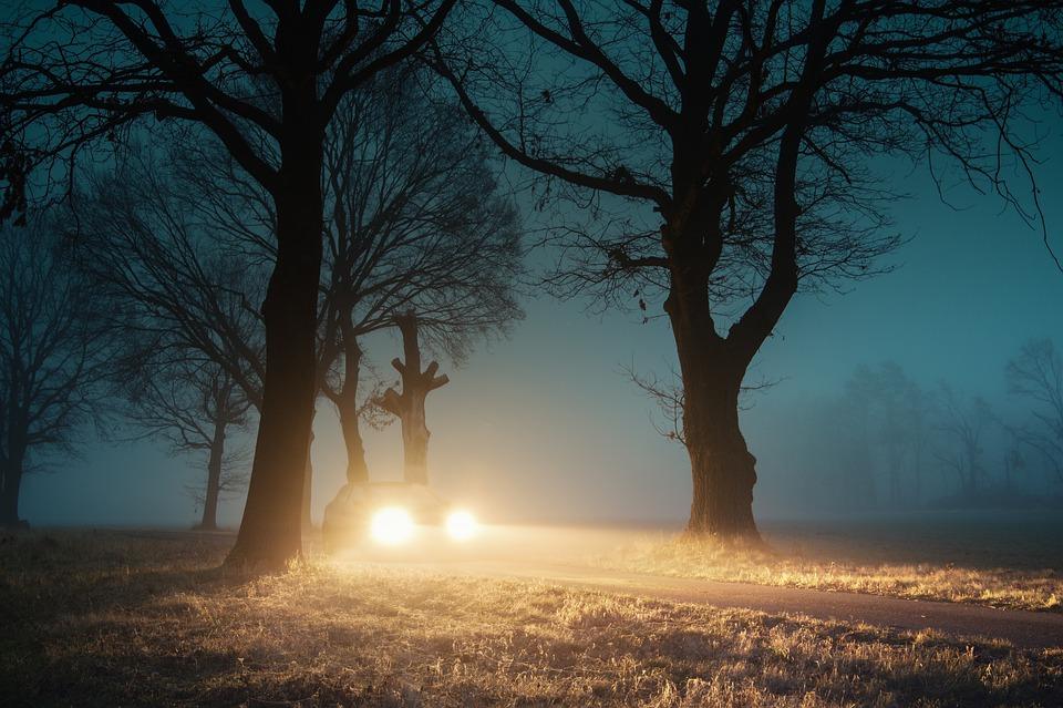 Consejos para tener en cuenta cuando se conduce con niebla