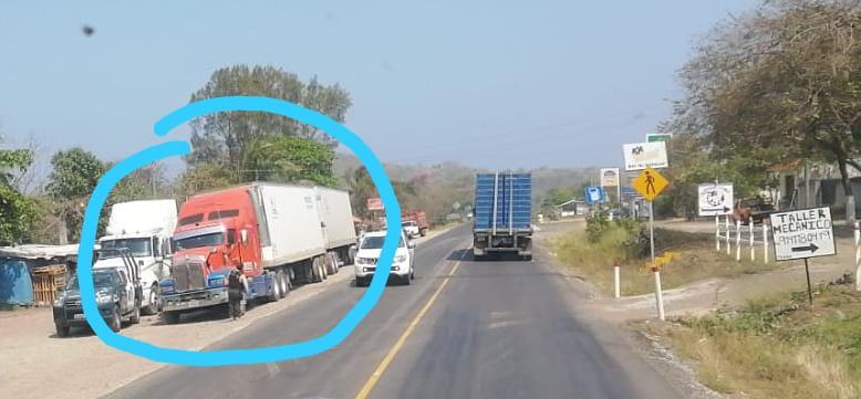 Desde Nuevo León viene a buscar su camión; de El Viejon se lo llevó presuntamente Fuerza Civil