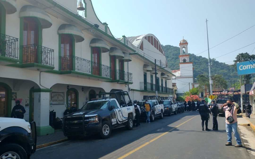 Policías municipales de Jilotepec se niegan a ser evaluados