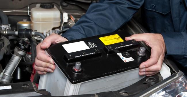cambiar la bateria del automovil Cinco consejos básicos para comprar una batería